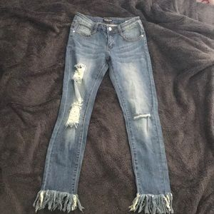 Never before worn fashion nova distressed jeans